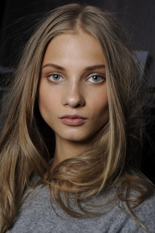 this is roughly my natural hair color...Giving my hair a break and going back to the natural color.
