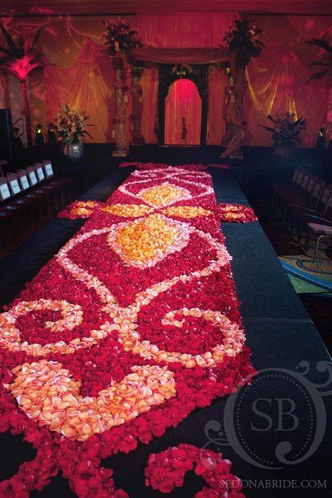 Running Down the Aisle on itsabrideslife.com #wedding #weddingaislerunners #aislerunners #floralaislerunners #flowers #weddingflowers #weddingdecor #weddingceremony