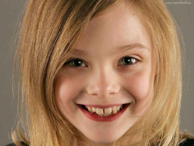 Elle Fanning, Uśmiech