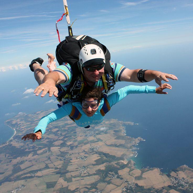 Saut en parachute et parachutisme belle le en mer - Saut en parachute nevers ...