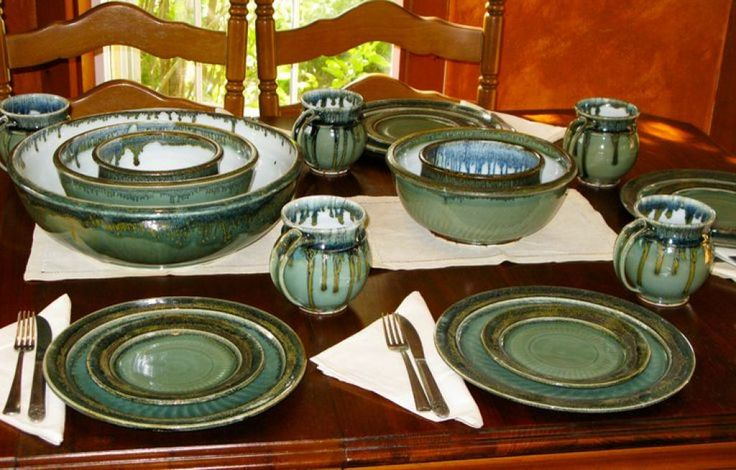 Choosing the Best Pottery Dinnerware Check more at http://www.wearefound.com/choosing-the-best-pottery-dinnerware/