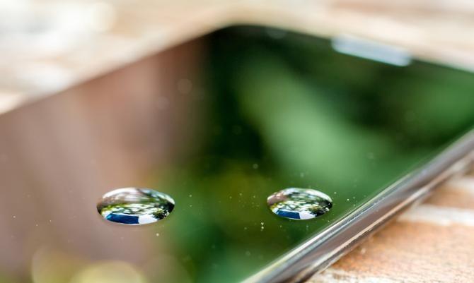 Wenn Ihr Handy oder Smartphone nass geworden ist, gilt es schnell zu handeln.