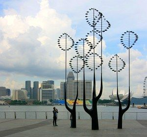 Breathe sculpture 2010 by artist Edwin Cheong  Representation of a tree and the lungs of an athlete