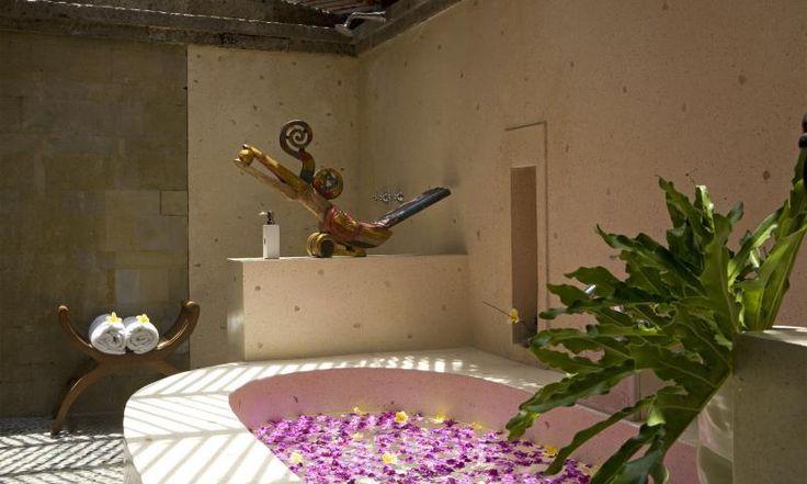 lux I bath  garden suite villa