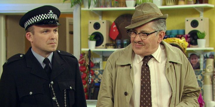 Rory Kinnear and Steve Delaney in Count Arthur Strong