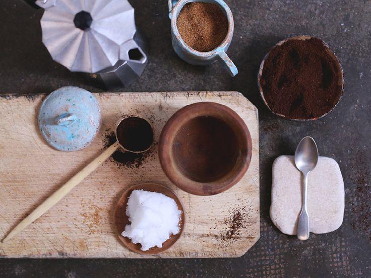 The Slowpoke: COFFEE, BROWN SUGAR + COCONUT OIL SCRUB // #homemade #natural #body #scrub Photo: Emma Bowen
