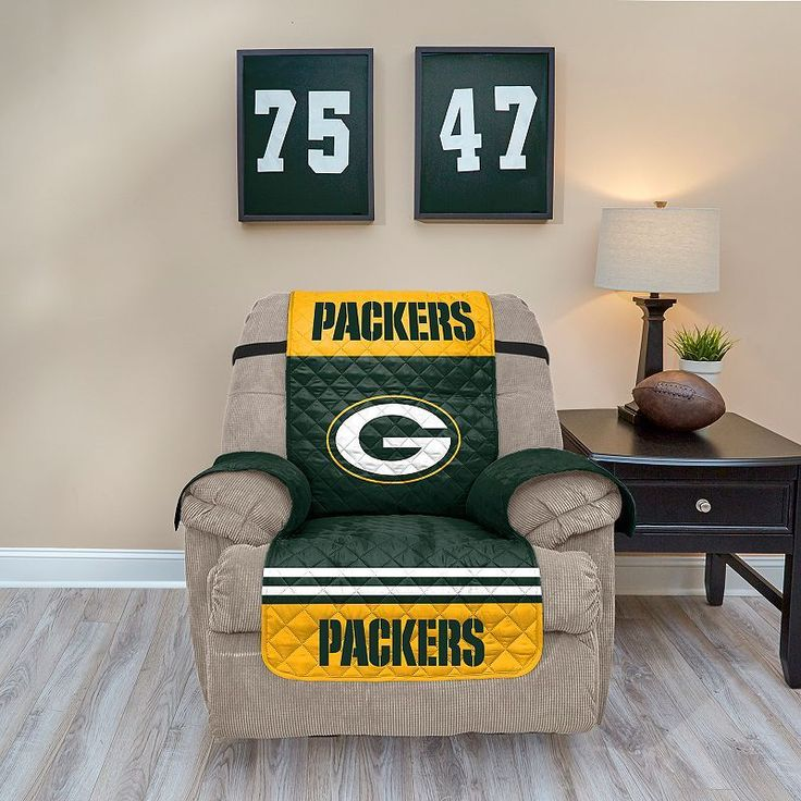 Green Bay Packers Quilted Recliner Chair Cover, Multicolor