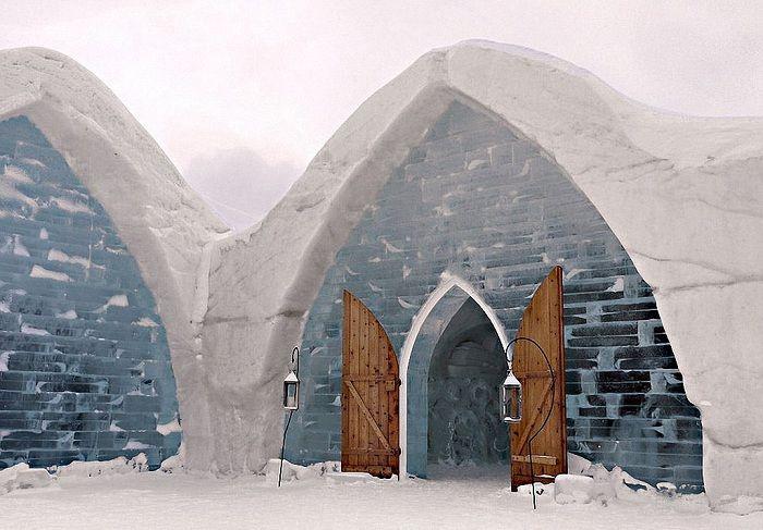 Hotel de Glace - отель из снега и льда.
