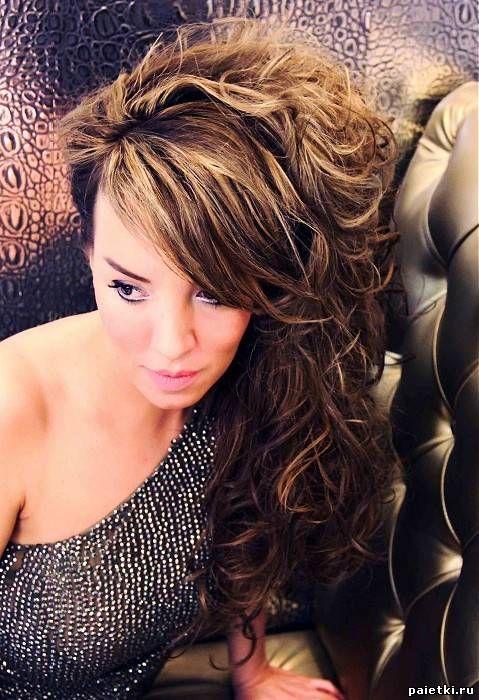 Мелированные волнистые волосы с прямой челкой - На длинные волосы - Причёски - Галерея гламура - Пайетки - фотогалерея причёсок, макияжа, маникюра и др.