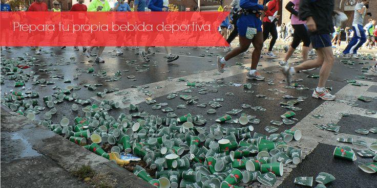 Aprende a preparar tu propia bebida deportiva, con ingredientes económicos y…