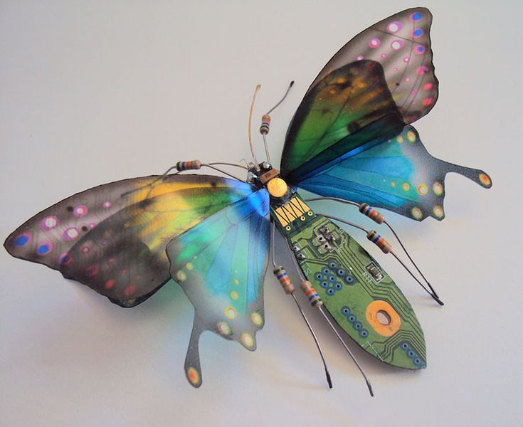 Wonderful Insect Sculptures Come From Old Computer Components_8