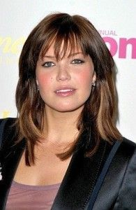 Medium Haircuts For Round Faces And Fine Hair