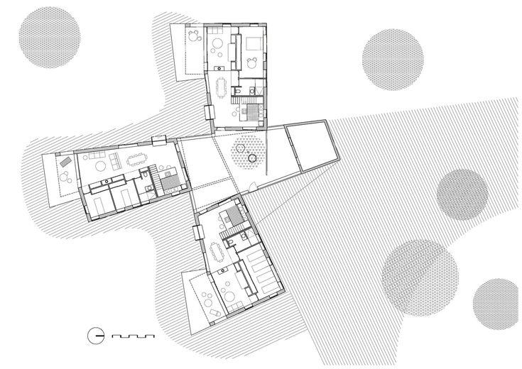 Casa Para Tres Hermanas / Blancafort-Reus Arquitectura,Planta 01