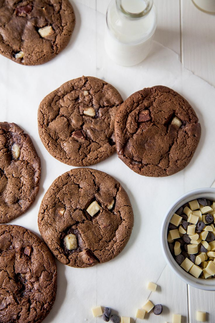 Vegan Triple Chocolate Chip Cookies