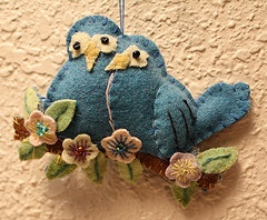 ✄ A Fondness for Felt ✄  DIY craft inspiration:  felt birds