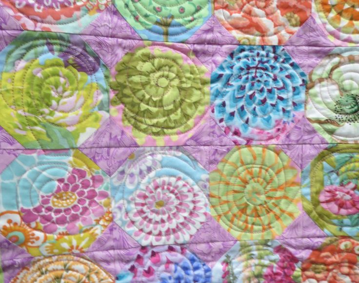 Baby Pastel Snowball and was also made by Corienne Kramer. Inspired by Kaffe Fassett. 2013 Quilt Fest of New Jersey. Closeup photo by Quilting on Main Street:.