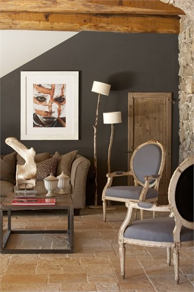 Grey wall and wood lamps, RELAX TRA GLI ULIVI, Tuscania, Claudia Pelizzari Interior Desing