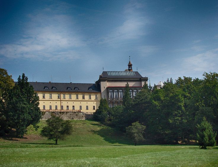 zámek / castle Zbiroh