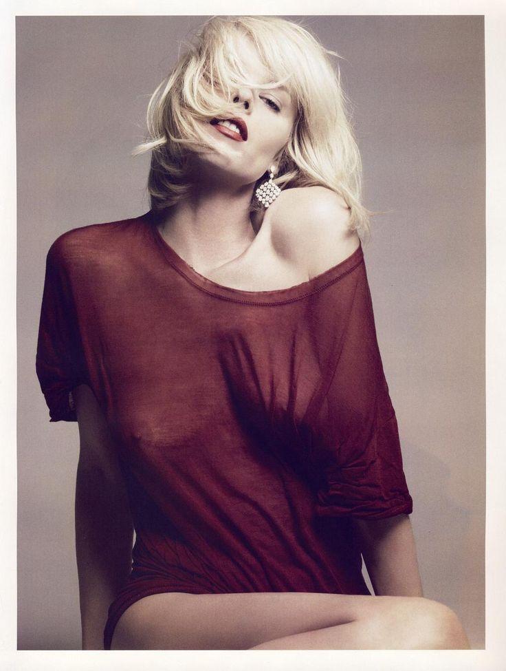 Eva Herzigova's Nipples are En Vogue