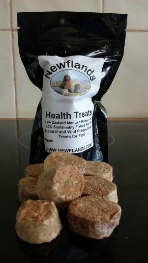 Freeze dried raw sausage with natural New Zealand Manuka Honey and Newflands Hoki oil