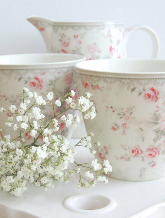 rosecottage.quenalbertini: Rose mugs