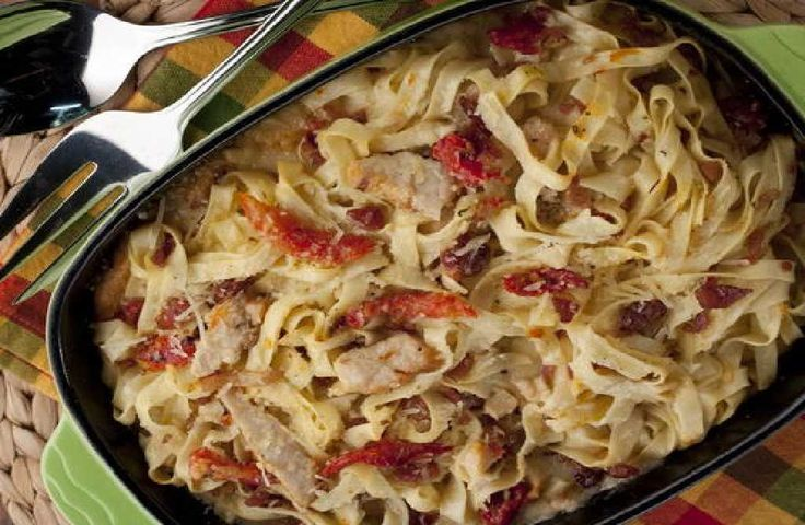 Chicken fettuccine Casserole is here to save the day! This dish, primarily made out of fettuccine and chicken, can be the new favorite dish of your near.