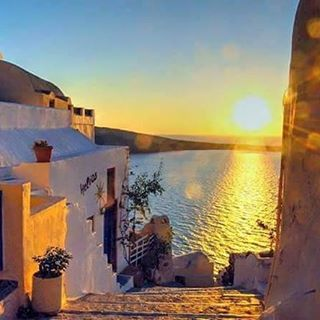 It's so beautiful to walk and watch that beautiful #sunset! #Folegandros  Photo credits: @koulaxi.vk
