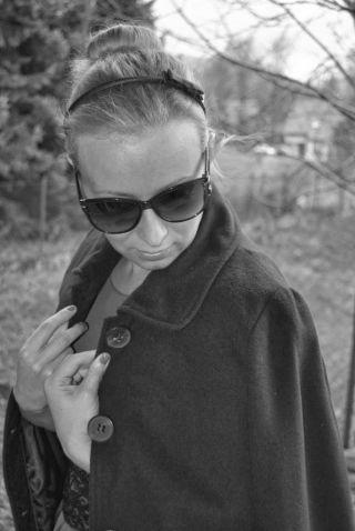 http://tohavefabulousday.blogspot.com/   Co może poprawić humor w deszczowy, pochmurny, jesienny dzień? Elegancki, kobiecy look :-) Siostra małej czarnej sukienki- kobaltowa sukienka z oryginalnym czarnym, koronkowym pasem podkreślającym talię firmy Pretty Women, plus...