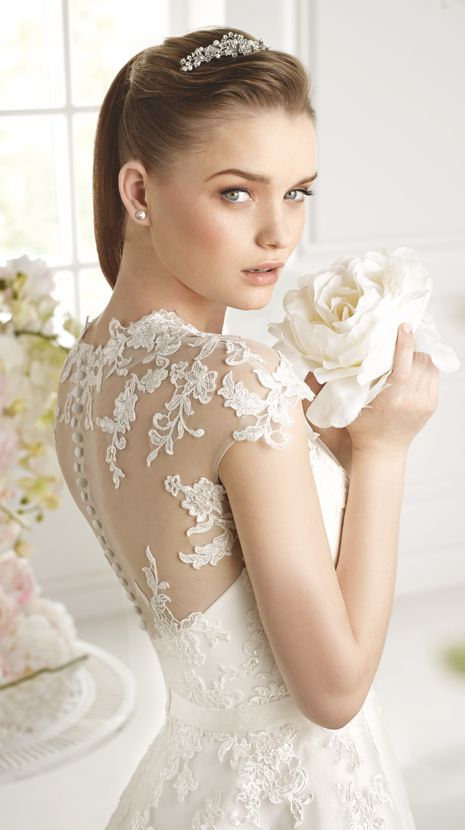 GABIL | Bridal Gowns | 2015 Collection | Avenue Diagonal (close up)