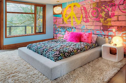 I love the back wall, the bed frame, and window