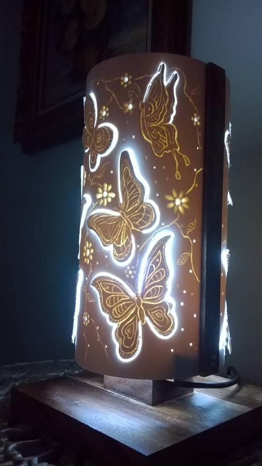 Luminária Dupla face, PVC 150mm, 30 cm altura, laterais e base em madeira de lei (maçaranduba)