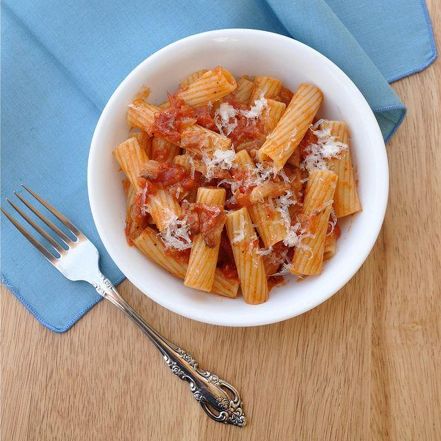 Pasta all'Amatriciana - Oli's favorite dish from Rome