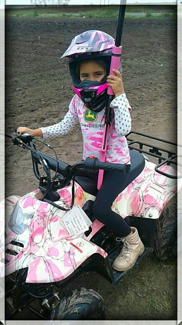 Pink Camo. Pink Camo John Deere Shirt. Pink Camo Fourwheeler. Pink Daisy BB Gun. Country girl. Country Pink Girl. Country Kids. Country Life. Pink Camo Girl. (My Princess)