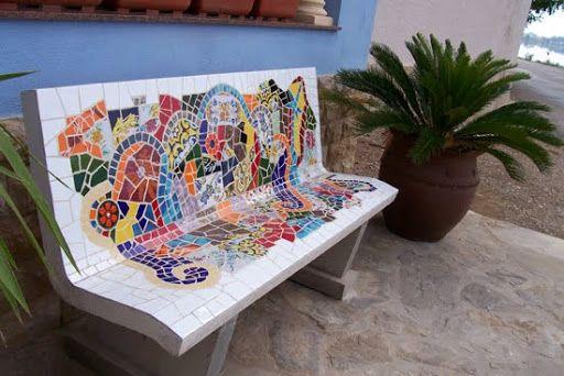 banca con mosaico