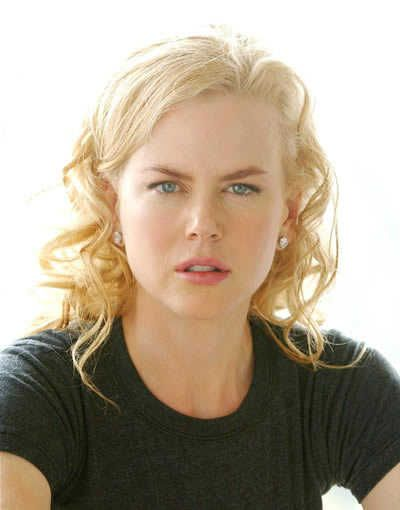 Nicole Kidman's curly blonde hairstyle