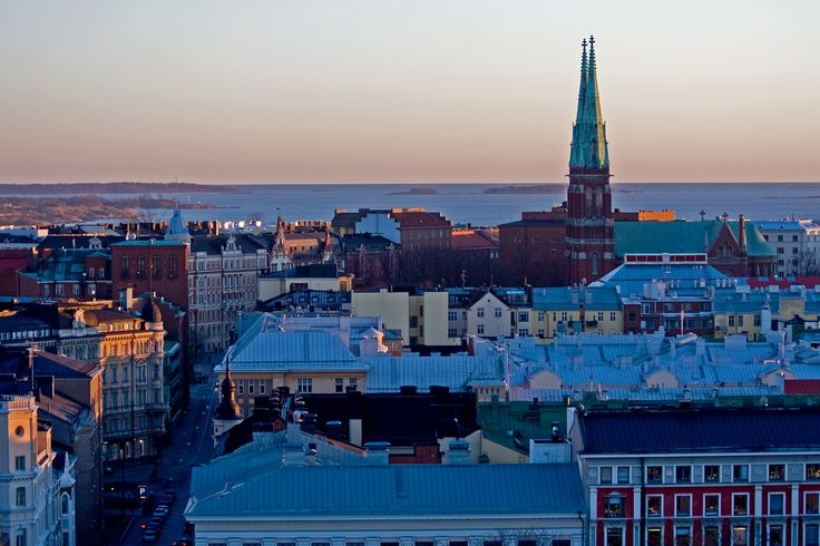 01509_St_Johns_church_rises_over_the_roofs_of_southern_Helsinki.jpg (3888×2592)