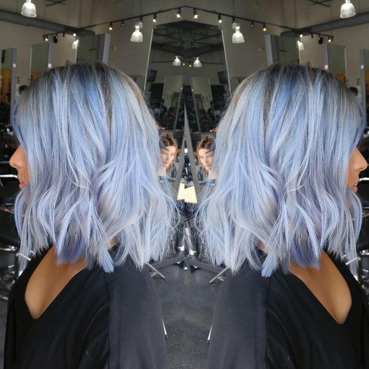 Shark Blue von Ion über Wella T14 Toner Blue Hair…