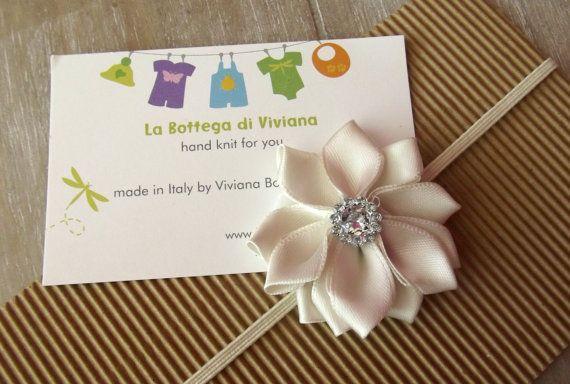 Photo props Newborn Headband ivory flower by LaBottegaDiViviana, €4.00