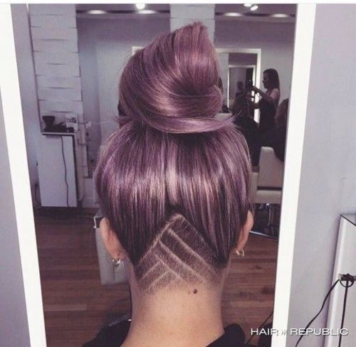 glamourqueenn:  Soooo wish I could have this kind of hairstyle but my hair is too thin like wtf :(