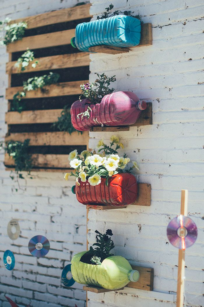 M s de 25 ideas incre bles sobre jard n de botellas en for Jardin vertical reciclado