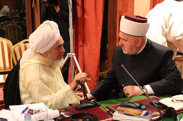 Shaykh Abdullah bin Bayyah talking with Mufti Mustafa Ceric