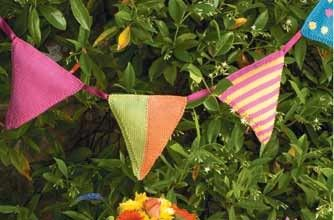 Bunting (free knitting pattern).