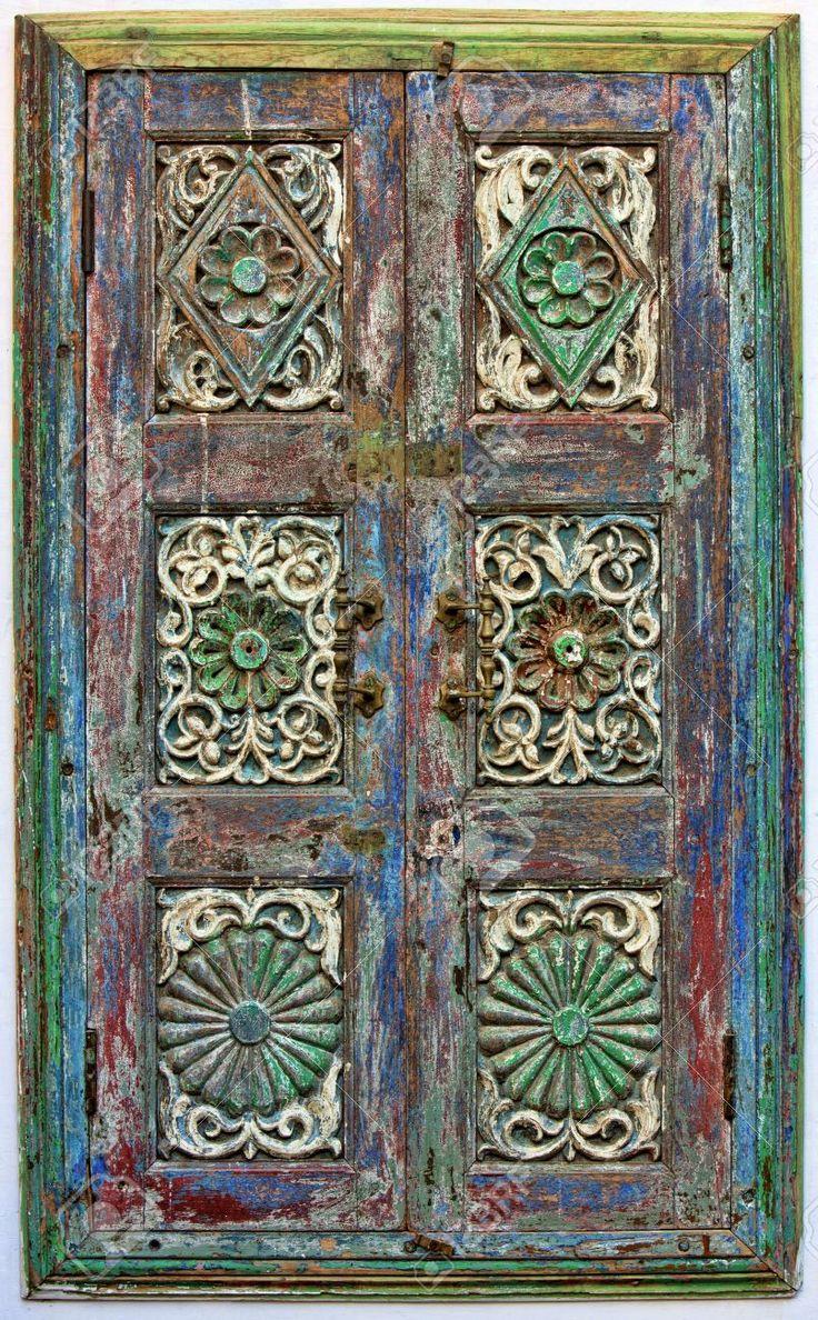 Старые деревянные ставни. Раджастхан, Индия Фотография, картинки, изображения и сток-фотография без роялти. Image 17347406.
