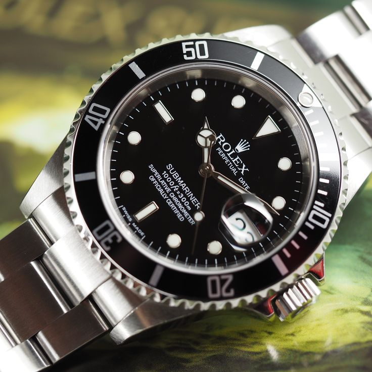 Used Rolex Submariner 16610 / Pre-Owned Rolex Submariner - Used Rolex - Quality Used watches from Swiss Watch Trader - The World's Finest Pre-Owned Rolex Watches from Swiss Watch Trader