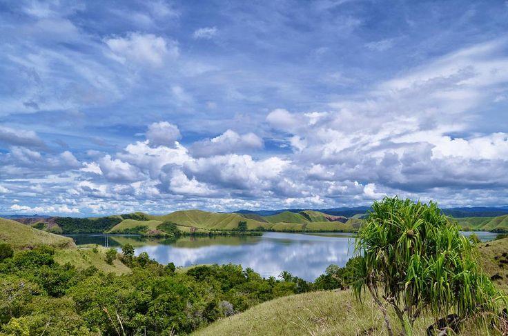 Beauty of Lake Sentani, Jayapura - PAPUA by TOSHI KENZO MDP™