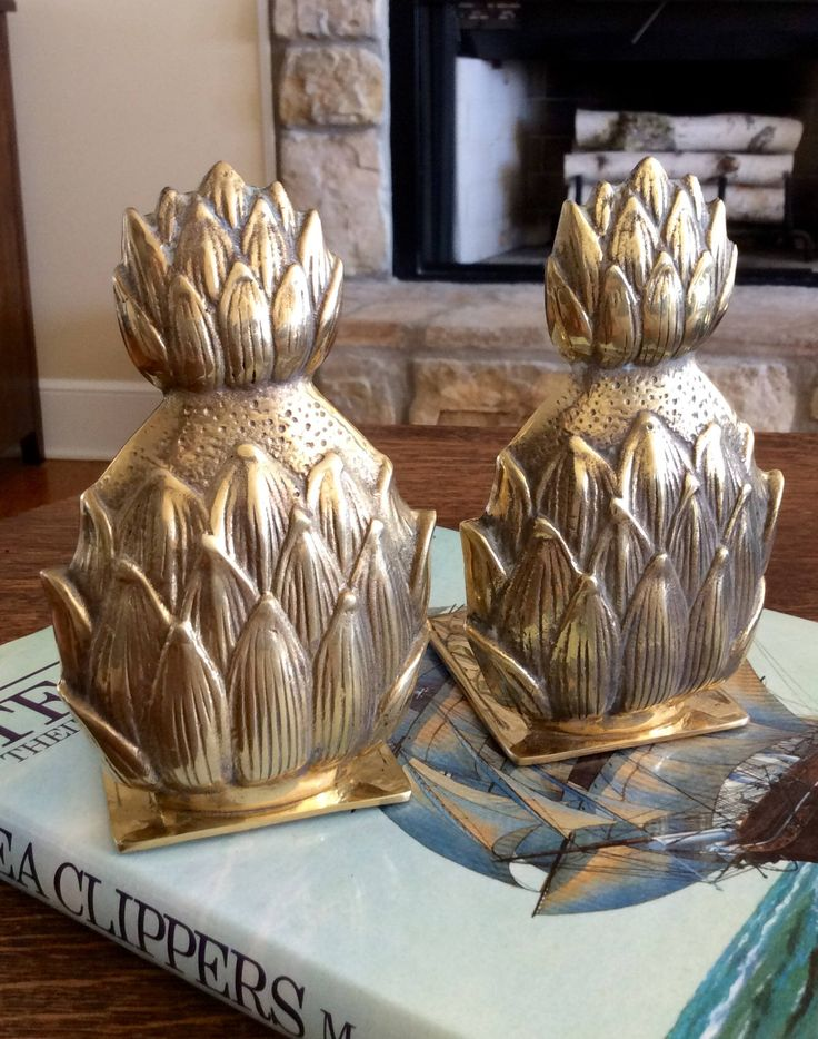 Vintage Brass Pineapple Bookends, made in Korea, Hollywood Regency, French Country, Coastal, Tropical, Cottage, Bookshelf Decor by YellowHouseDecor on Etsy https://www.etsy.com/listing/532421548/vintage-brass-pineapple-bookends-made-in
