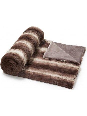 Calda, comoda e meravigliosa coperta in lapin, pelliccia ecologica a pelo corto. Una coperta bellissima e riposante, che arreda con gusto ed eleganza. Soffice e preziosa, vi lascerete coccolare teneramente. Disponibile in marrone chiaro o marrone scuro.