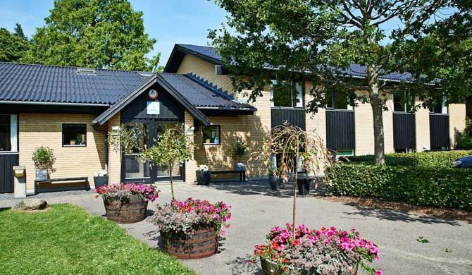 Danhostel Viborg Danhostel Viborg is situated by Lake Søndersø, just 3 km from central Viborg, Denmark. The hostel in Viborg offers free parking and rooms with free Wi-Fi access and either shared or private... #Hostels  #Travel #Backpackers #Accommodation #Budget