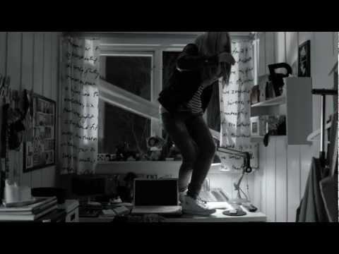 Ny film: Venneregnskap er en tjeneste i mobilbankappen. Regi: Aksel Hennie