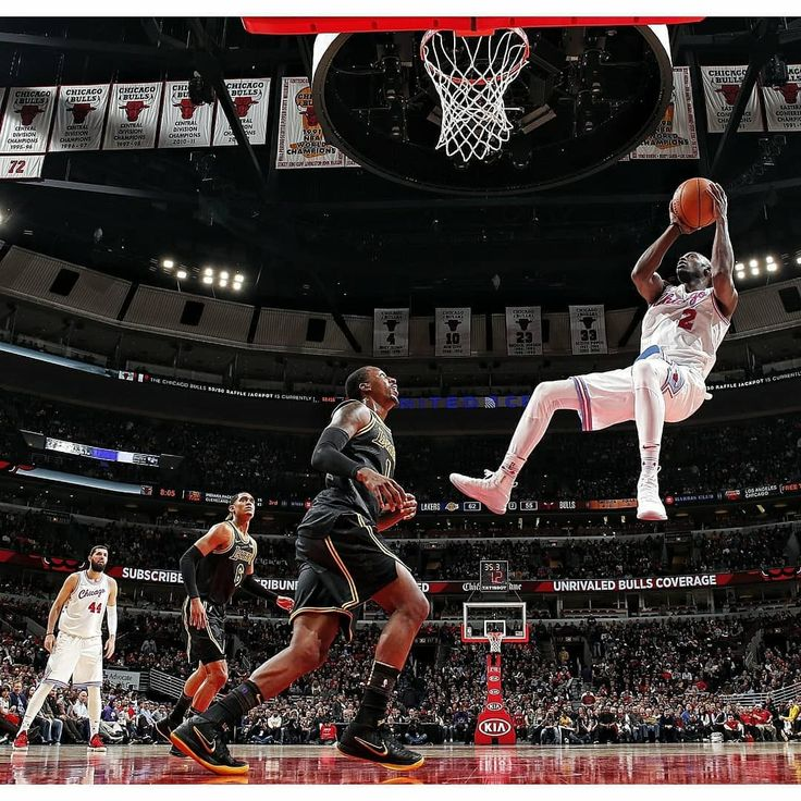 Images from tonight's NBA game between the Chicago Bulls and the Los Angeles Lakers in Chicago. #chicago #chicagobulls #lakers #losangeleslakers #losangeles #nba #basketball #unitedcenterchicago